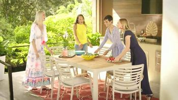 Rooms to Go Patio TV Spot, 'Go All Out' - Thumbnail 7