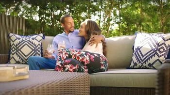 Rooms to Go Patio TV Spot, 'Go All Out' - Thumbnail 8