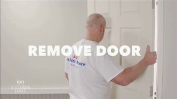 Benjamin Moore Advance Paints TV Spot, 'Ion Television: Interior Doors' - Thumbnail 4