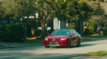 2020 Toyota Camry TV Spot, 'Miguel Angel' [Spanish] [T2] - Thumbnail 1