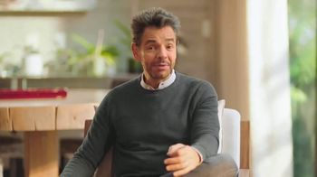 DishLATINO TV Spot, 'El mejor entretenimiento para toda la familia' con Eugenio Derbez  [Spanish]