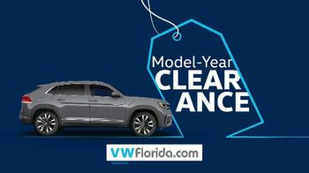 Volkswagen Model-Year Clearance TV Spot, 'Clearing Out' [T2] - Thumbnail 2