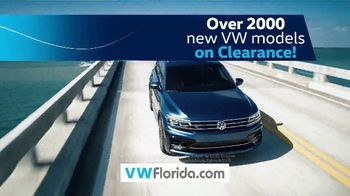 Volkswagen Model-Year Clearance TV Spot, 'Clearing Out' [T2] - Thumbnail 7