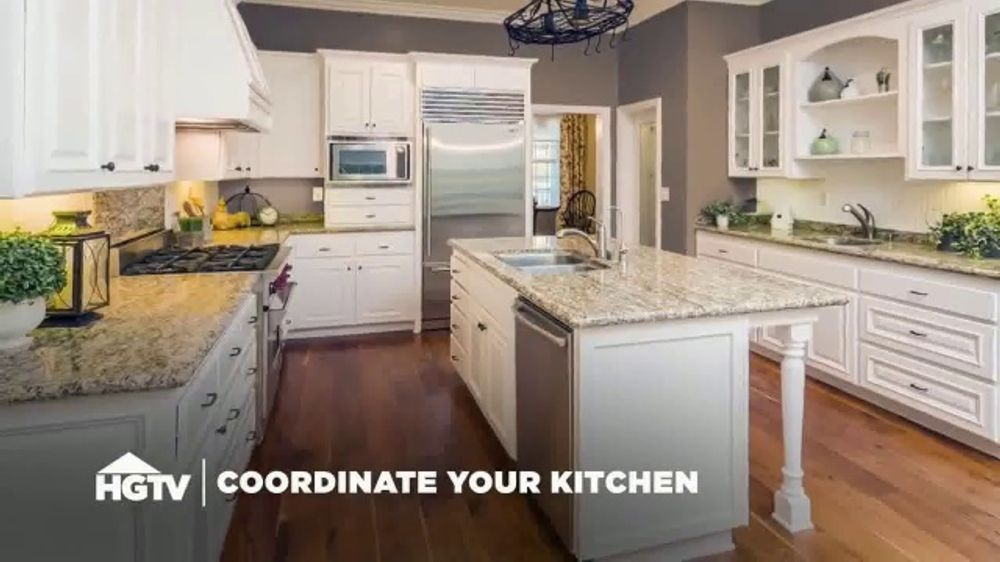 Cabinets To Go TV Commercial, 'HGTV: Contrast'