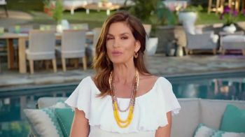 Rooms to Go Patio TV Spot, 'Stylish Summer' Featuring Cindy Crawford - Thumbnail 5