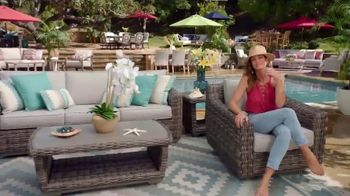 Rooms to Go Patio TV Spot, 'Stylish Summer' Featuring Cindy Crawford - Thumbnail 9