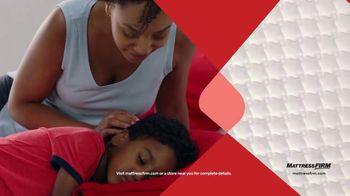 Mattress Firm TV Spot, 'Summer: King for Queen and Free Adjustable Base' - Thumbnail 7