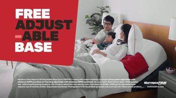 Mattress Firm TV Spot, 'Summer: King for Queen and Free Adjustable Base'