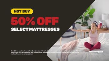 Mattress Firm TV Spot, 'Summer: King for Queen and Free Adjustable Base' - Thumbnail 4