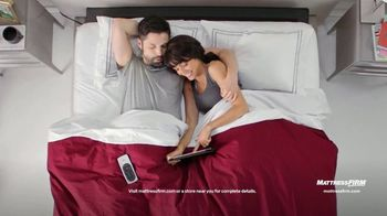 Mattress Firm TV Spot, 'Summer: King for Queen and Free Adjustable Base' - Thumbnail 5