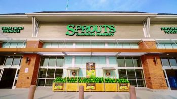 Sprouts Farmers Market TV Spot, 'Summer Fruits' - Thumbnail 2