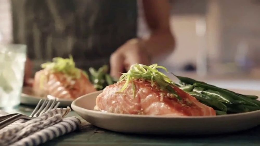 Home Chef TV Commercial, 'Hand in Hand: $30'