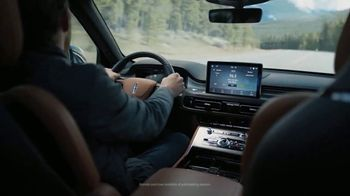 Lincoln Motor Company TV Spot, 'What We Do Best: Virtual Vehicle Touring' [T1] - Thumbnail 6
