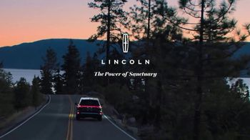 Lincoln Motor Company TV Spot, 'What We Do Best: Virtual Vehicle Touring' [T1] - Thumbnail 9