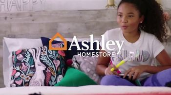 Ashley HomeStore Friends & Family Sale TV Spot, '25% Off: Buy Now, Pay Later' - Thumbnail 1