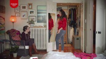 Colgate Optic White Renewal TV Spot, 'Jeggings Throwback' - Thumbnail 5