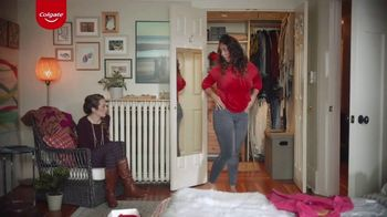 Colgate Optic White Renewal TV Spot, 'Jeggings Throwback'