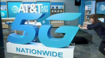 AT&T Wireless TV Spot, 'Big Deal' - Thumbnail 1