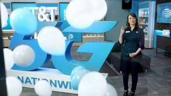 AT&T Wireless TV Spot, 'Big Deal' - Thumbnail 6