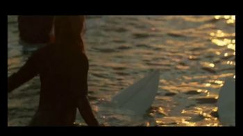 Michelob ULTRA Pure Gold TV Spot, 'Surf' Song by Darondo - Thumbnail 4