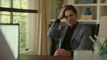 GEICO TV Spot, 'John Stamos Knits a Scarf' - Thumbnail 6