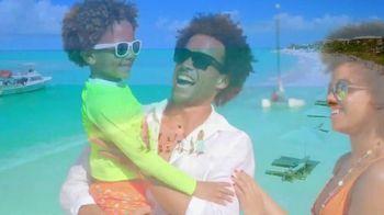 Beaches TV Spot, 'Sharing it All: Save 65 Percent' - Thumbnail 10