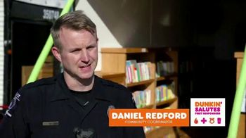 Dunkin' TV Spot, 'Saluting First Responders: Storytime Traveler' - Thumbnail 4