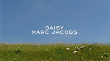 Marc Jacobs Daisy TV Spot, 'Field of Flowers' Featuring Kaia Gerber, Song by Suicide - Thumbnail 1