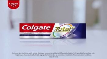 Colgate Total SF TV Spot, 'Antibacterial Protection' - Thumbnail 3
