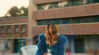 Smirnoff TV Spot, 'Hang Out From Home: Laverne's Inner Monologue' Featuring Laverne Cox - Thumbnail 6