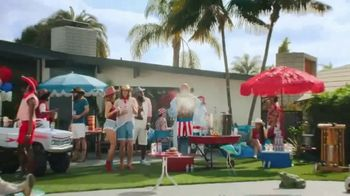 Smirnoff Seltzer TV Spot, 'Hang Out From Home: Dave's Inner Monologue' Featuring Dave Bautista - Thumbnail 3