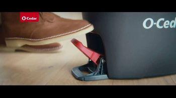 O-Cedar EasyWring Spin Mop TV Spot, 'Crocodile on the Floor' - Thumbnail 6