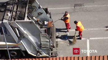 Toyota TV Spot, 'Dear America: Sanitation Workers' [T1] - Thumbnail 7