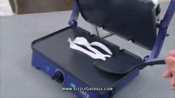 Blue Diamond Pan Sizzle Griddle TV Spot, 'The Secret Is the Sizzle: Party Plastic' - Thumbnail 6