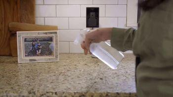 Delta Faucet TV Spot, 'DIY Network: Hard Working Kitchen' - Thumbnail 4