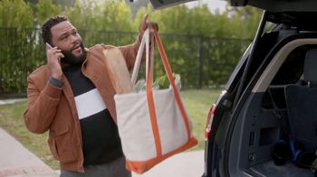 T-Mobile TV Spot, 'Mama: Taxes and Fees' Featuring Anthony Anderson, Song by Etta James - Thumbnail 6