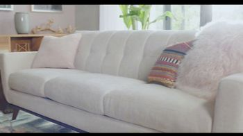 Rooms to Go TV Spot, 'Creative and Comfortable: Financing' Featuring Julianne Hough - Thumbnail 4
