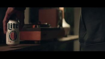 Miller Lite TV Spot, 'Un clásico' canción de Lee Fields & The Expressions [Spanish] - Thumbnail 2