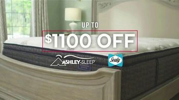Ashley HomeStore Labor Day Preview Sale TV Spot, 'Mattress Deals: Up to $1,100' - Thumbnail 5