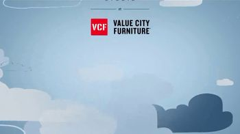 Value City Furniture Happy Labor Day Sale TV Spot, 'Free Adjustable Bed' - Thumbnail 9
