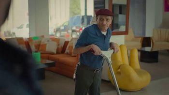Miller Lite TV Spot, 'Couch' - Thumbnail 3