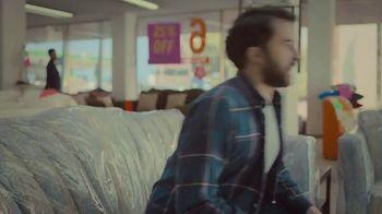 Miller Lite TV Spot, 'Couch' - Thumbnail 5