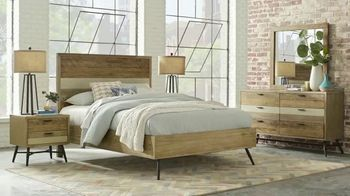 Rooms to Go Labor Day Sale TV Spot, 'Stylish Bedroom Set' - Thumbnail 3