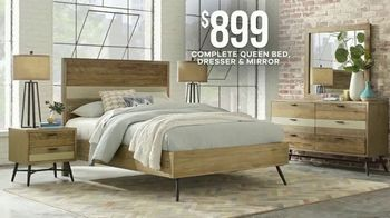 Rooms to Go Labor Day Sale TV Spot, 'Stylish Bedroom Set' - Thumbnail 4