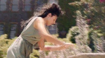 Dove Advanced Care Rose Petals TV Spot, 'Confident and Carefree'