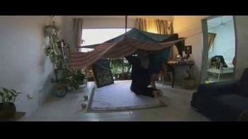 Viacom International Studios TV Spot, 'Historias de balcón: Australia, Malasia y Portugal' [Spanish] - Thumbnail 3