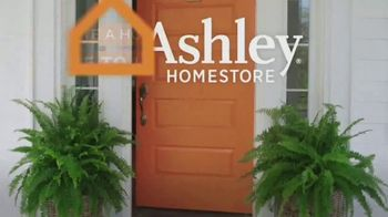Ashley HomeStore TV Spot, 'Proud to Call Houston Home: Looks & Options' - Thumbnail 9