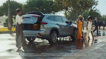 Toyota Highlander TV Spot, 'Top Hat' Ft. Cat Wilson, Dawn Richard, Nadine Ellis [T1] - Thumbnail 7