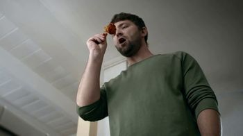 Clorox Disinfecting Wet Mopping Cloths TV Spot, 'Five-Second Rule Ready: Scentiva' Song by Donnie Daydream - Thumbnail 2