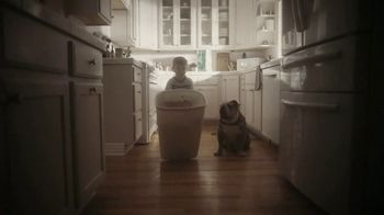 Clorox Disinfecting Wet Mopping Cloths TV Spot, 'Five-Second Rule Ready: Scentiva' Song by Donnie Daydream - Thumbnail 3